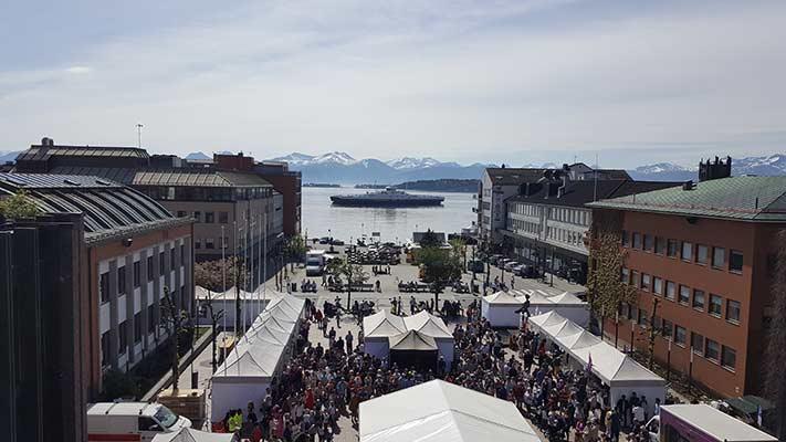 Søkemotoroptimalisering og synlighet i Molde - bilde av torget, tatt fra rådhustaket